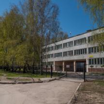 Вход на территорию школы со стороны улицы Лунная