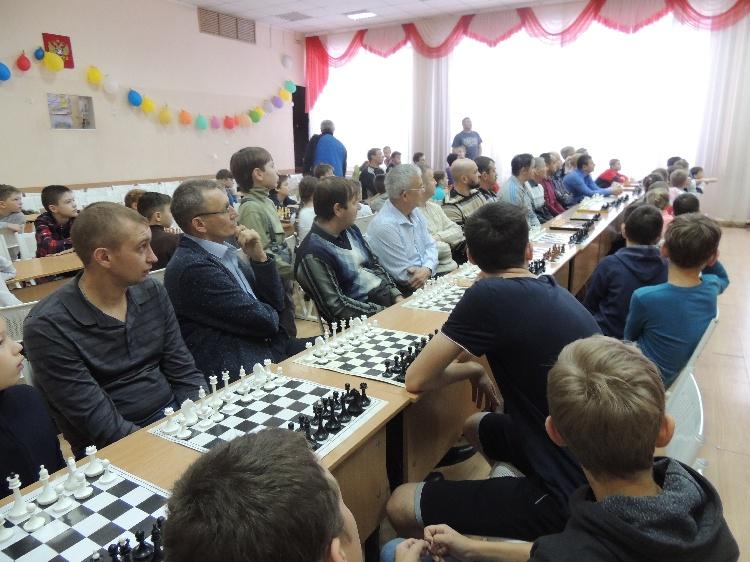Общешкольный шахматный турнир «Белая ладья  2018: родители — дети»