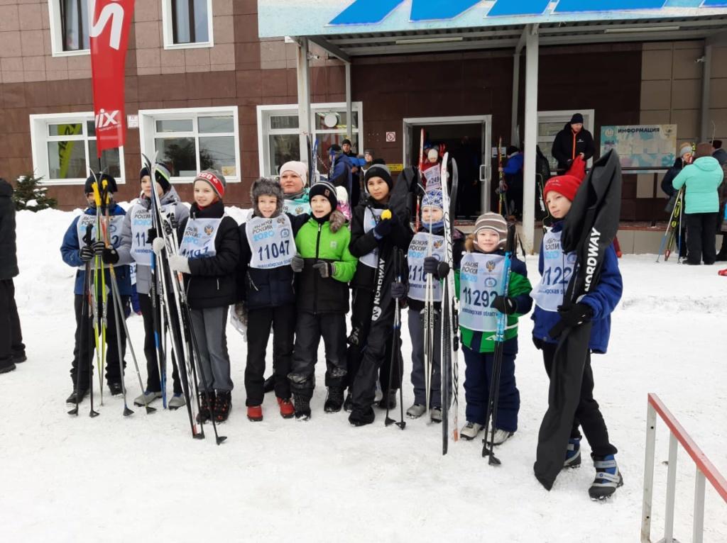 8 февраля 2020 года 56 родителей и учащихся МБОУ СОШ № 5 приняли участие в традиционной «Лыжне России»