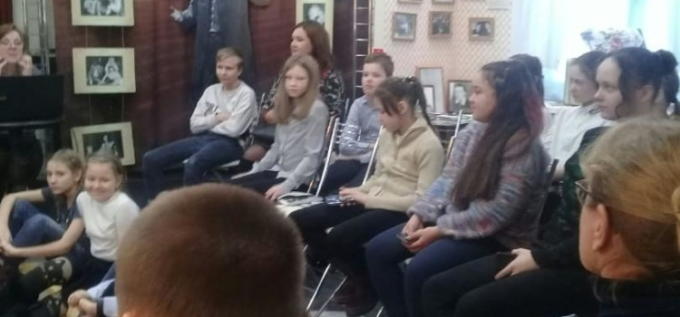5 февраля 5Б класс посетили Музей – театр актёра Владлена Бирюкова
