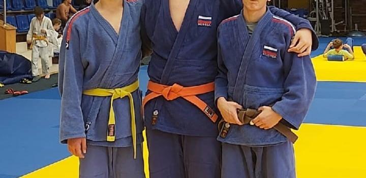 Борнеман Игорь, учащийся 10 «А» класса  7 октября принял участие в соревнованиях  СФО по ДЗЮ-ДО